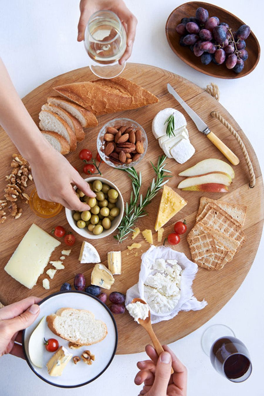 Here are some helpful tips for choosing the cheese and putting the tray together. & A Fabulous Holiday Cheese Platter! | Fashion Cleaners