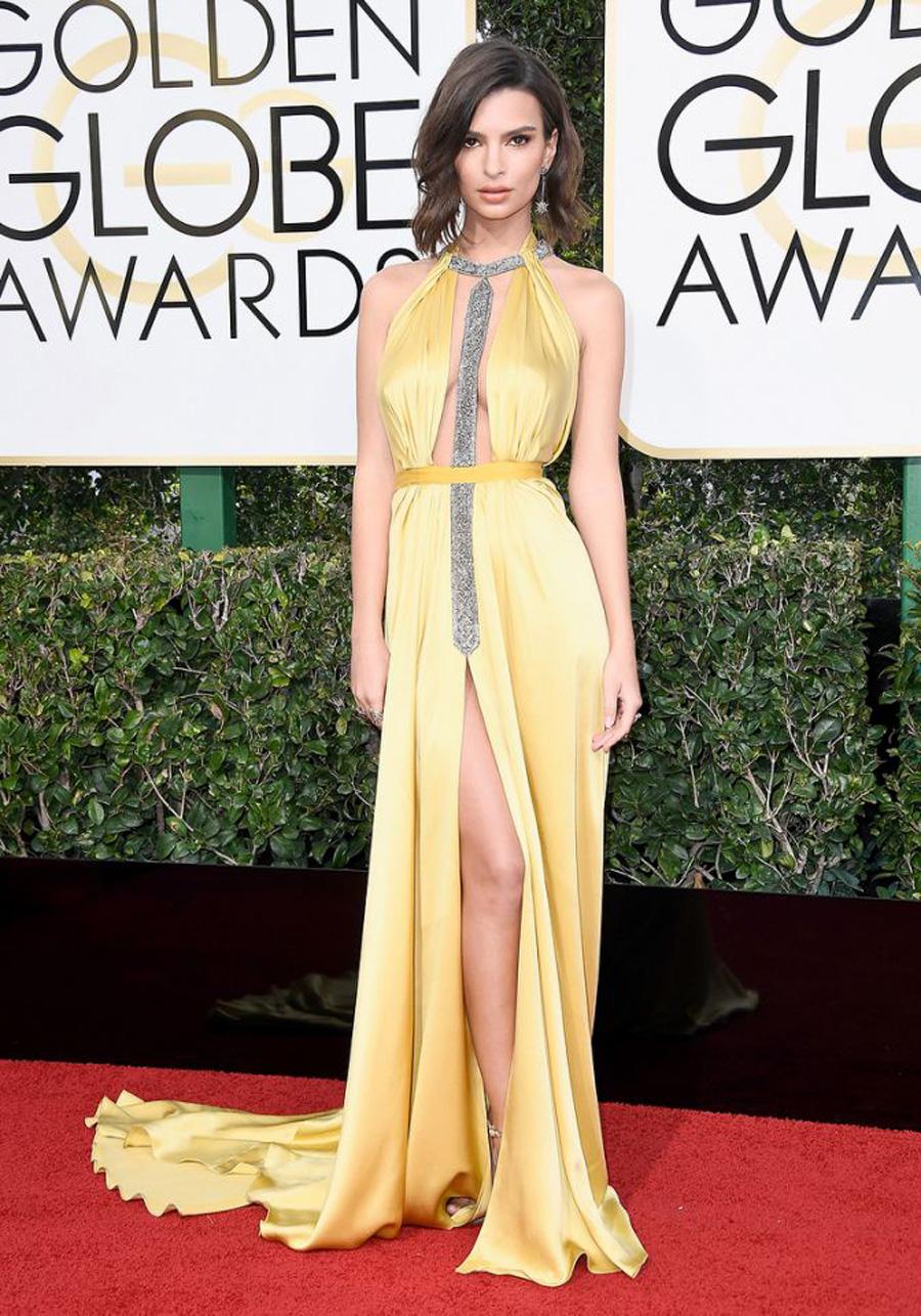 2017 Golden Globes Looks - Emily Ratajkowski