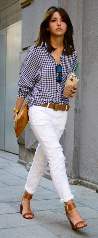 15 Casual Spring Styles We Love White pants and blue shirt