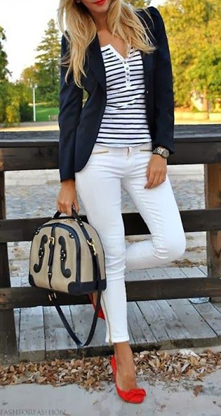 15 Casual Spring Styles We Love white pants with navy blazer and red shoes