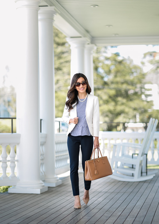 Casual Summer Work Outfits - White blazer